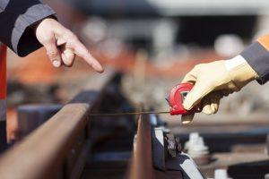 Mesure et travaux sur les rails