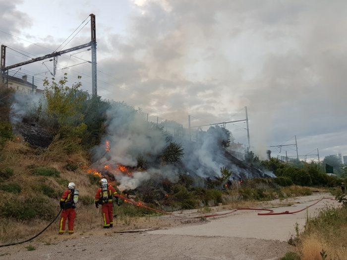 Incendie aux abords des voies à Suresnes le 6 août 2019