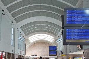 Écrans en gare de Versailles-Chantiers - lignes N et U