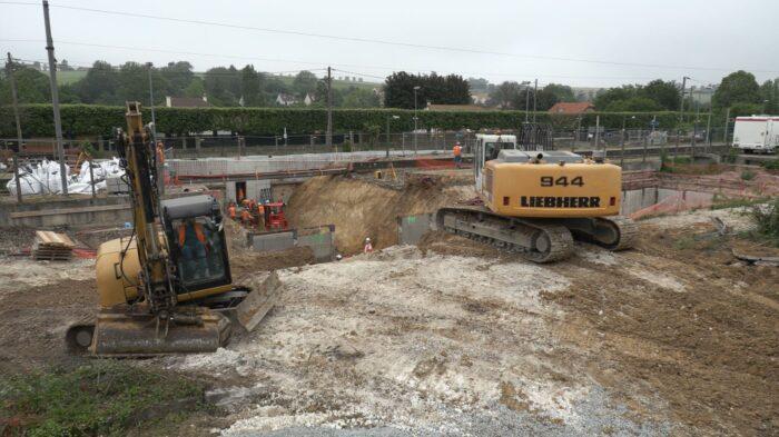 Excavation en vue de la création du futur souterrain en gare de Beynes