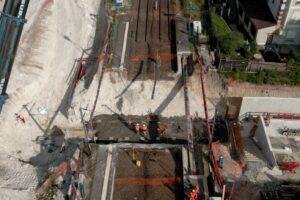 Pose des fondations du futur souterrain en gare de Maule