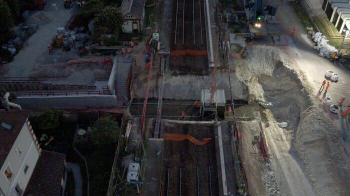 Passage souterrain de Maule : alignement des cadres préfabriqués en béton armé