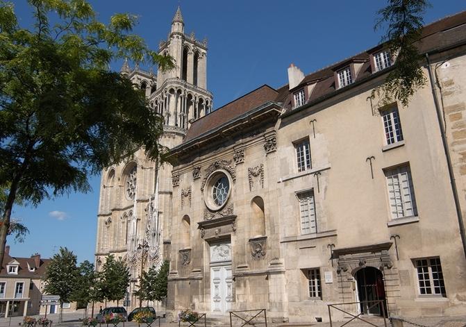 Musée Hôtel-Dieu - Collégiale de Mantes-la-Jolie